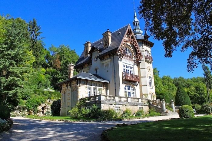 Замок Les Roches.