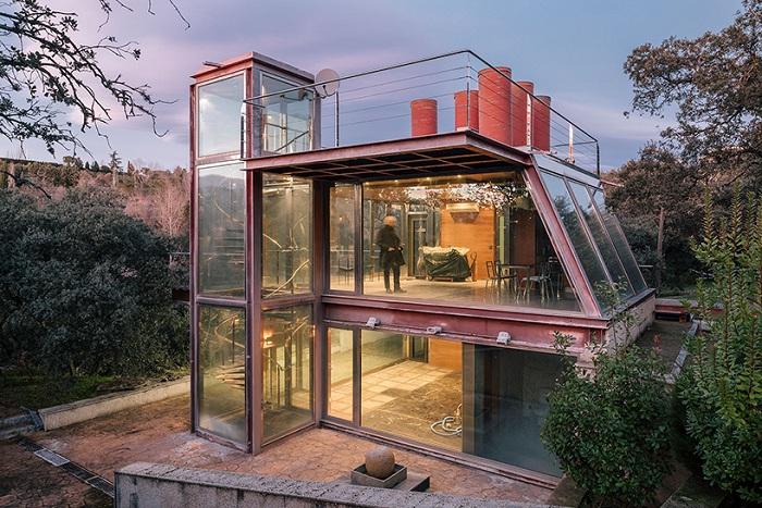 Hidden Pavilion - дом со стеклянными стенами.