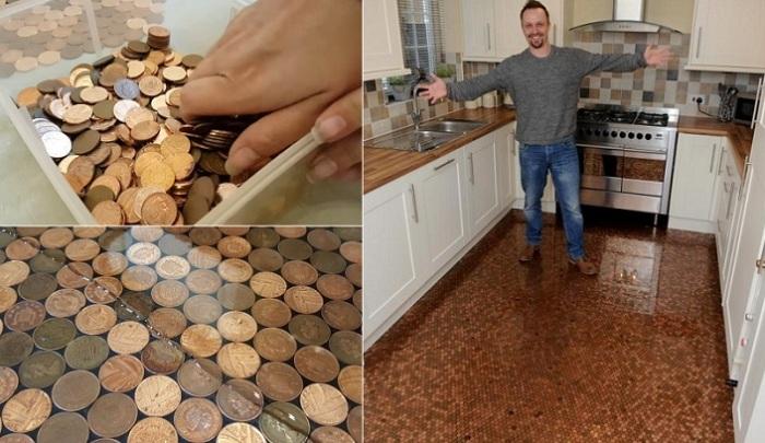 Шикарный пол, сделанный из монет.