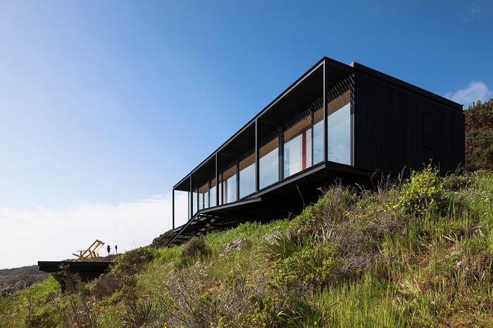 Модульный дом, спроектированный архитектором Felipe Assadi.
