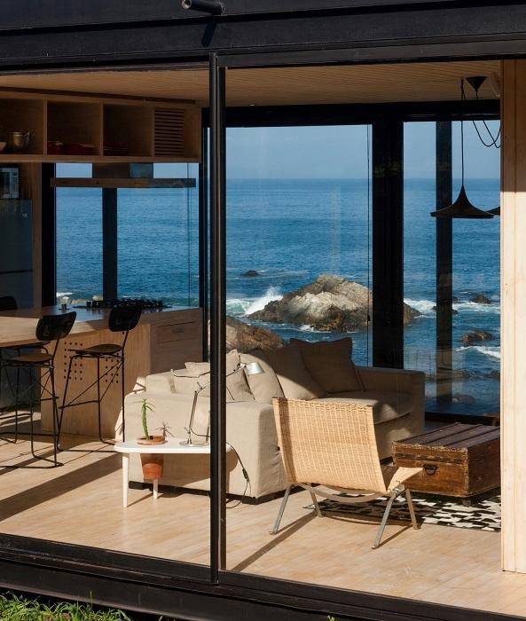Remote House. Дом с видом на океан.