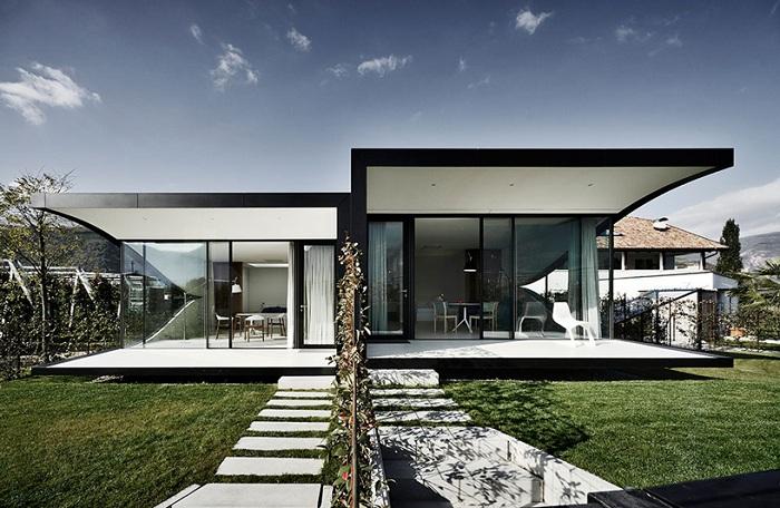 Дом на две семьи.