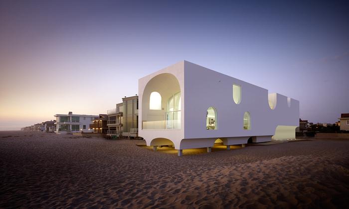Дом на пляже - Vault House.