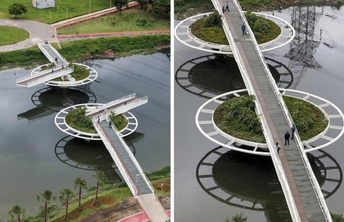 Мост для пешеходов и велосипедистов с «зелеными островами».