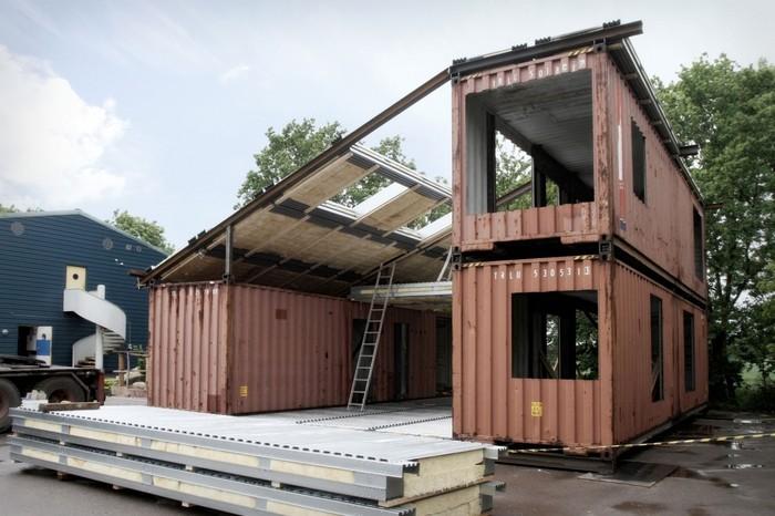Дом из контейнеров в