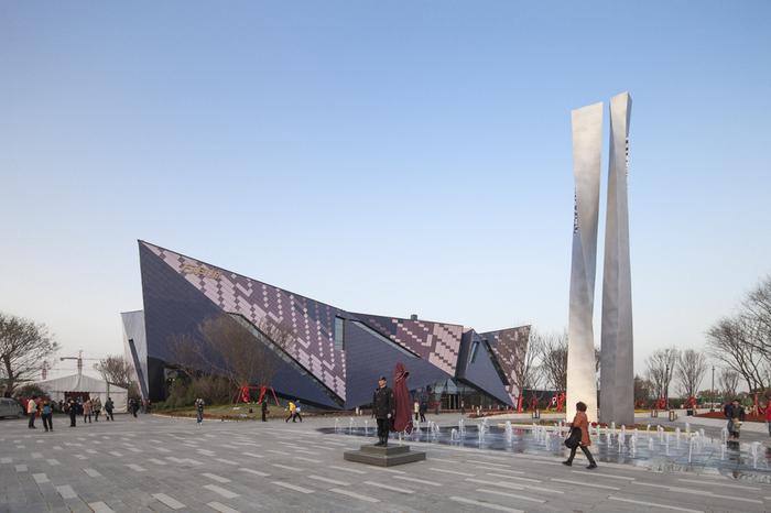 Vanke Sales Center - символ индустриализации Китая.