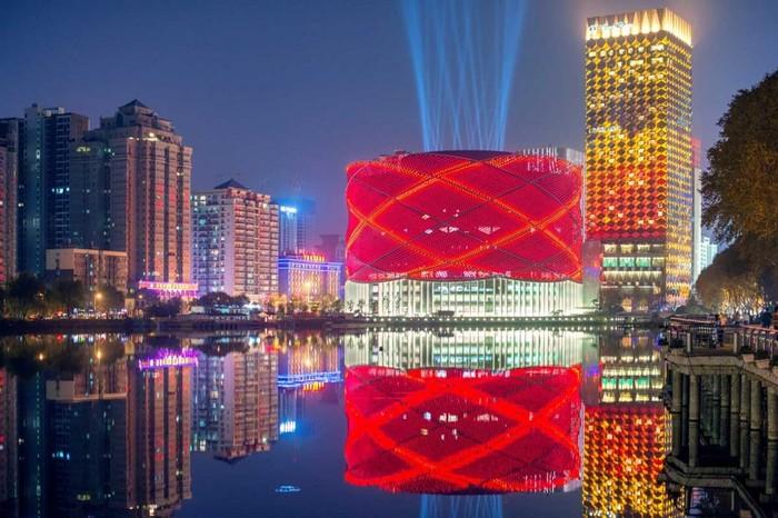 Театр водных спектаклей в Китае.