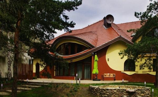 Swing house.
