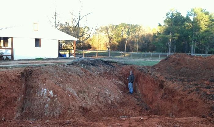 Сначала все подумали, что сосед строит бассейн, но он замахнулся на кое-что покруче. | Фото: imgur.com/a/5JVoT#R7pfR1j.