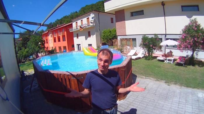 Как сделать бассейн из паллетов.