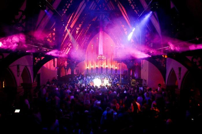 The Church - ночной клуб в церкви 19 века.