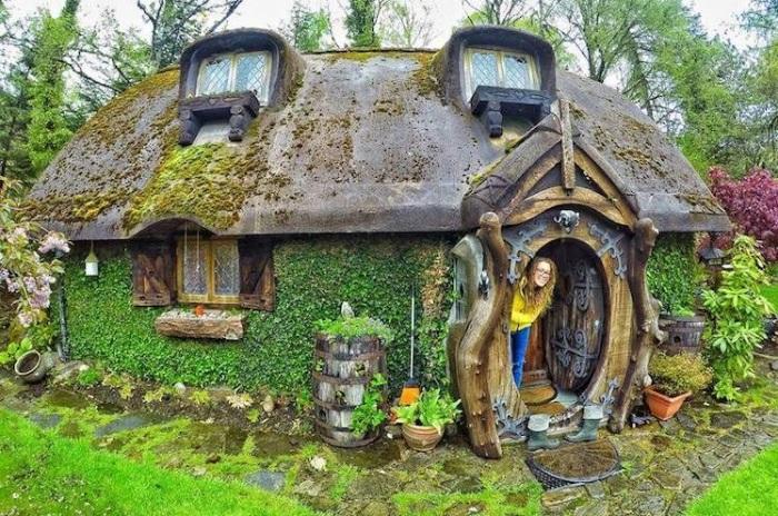 Очаровательный домик хоббита.