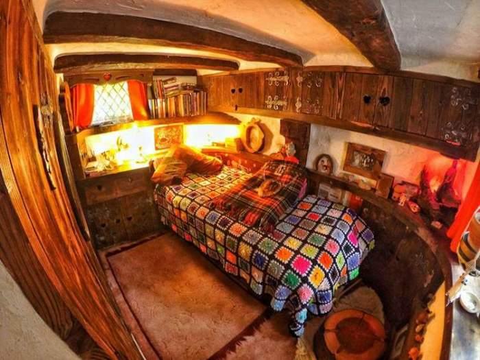 Домик хоббита в Шотландии. Спальня.