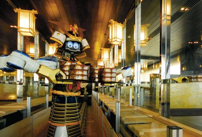 Hajime Robot Restaurant - ресторан с роботами вместо обычных официантов.