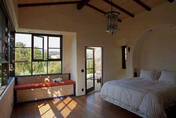Уютная спальня. | Фото: remodelista.com.
