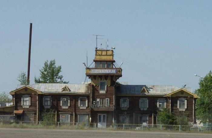 Здание аэропорта в Сеймчане. | Фото: fotoalbom.su.