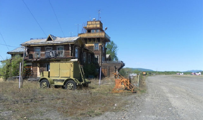 Аэропорт в Сеймчане (Магаданская область), который функционирует до сих пор.   Фото: s08.radikal.ru.