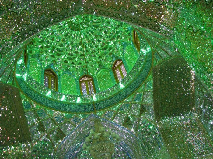 Мозаика из мрамора, стекла, смальты.