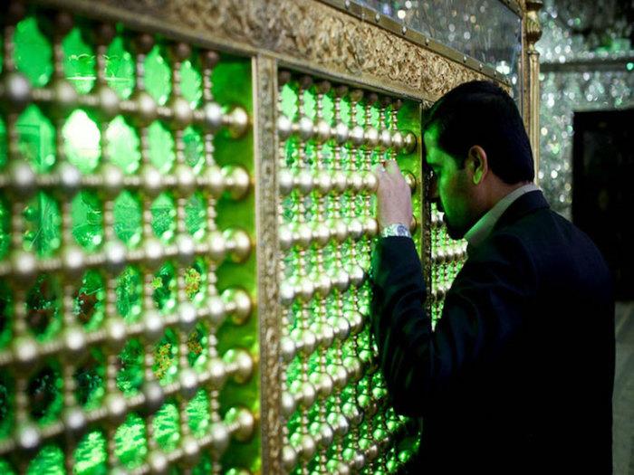 Шах-Черах - мечеть невероятной красоты.