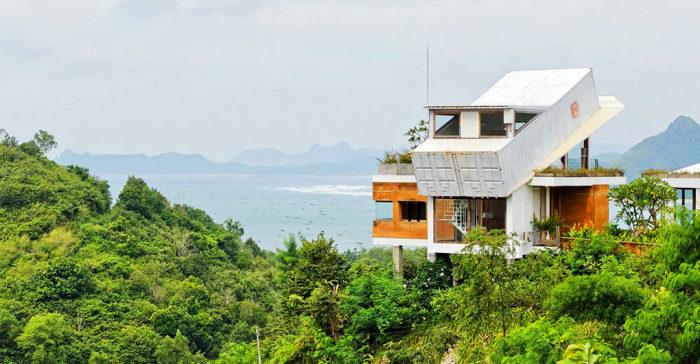 Проект индонезийского архитектора Budi Pradono.