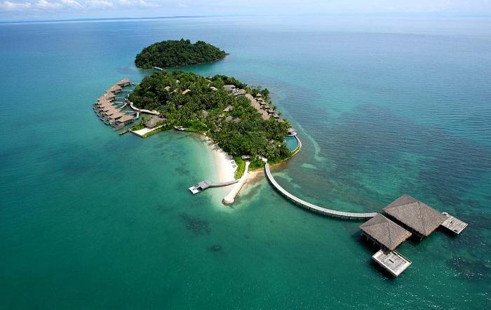 Очаровательный остров с роскошными виллами.