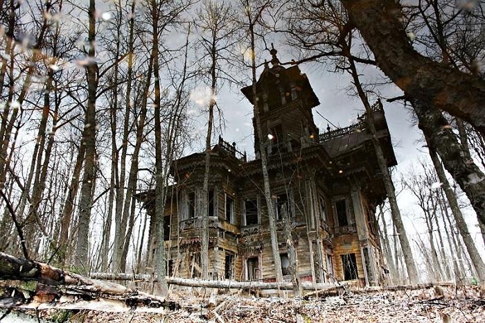 Заброшенный дом в Чухломе Костромской области. | Фото: 44srub.ru.