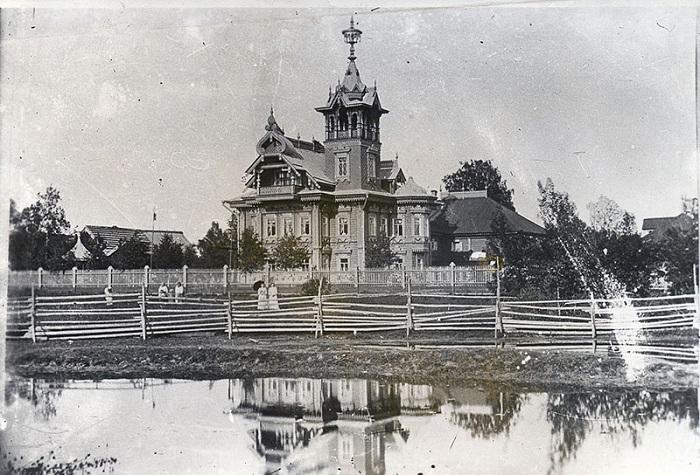 Терем в Чухломе. Начало ХХ века. | Фото: 44srub.ru.