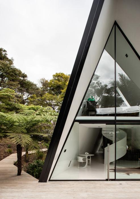 «Палаточный домик», окруженный дикой природой.