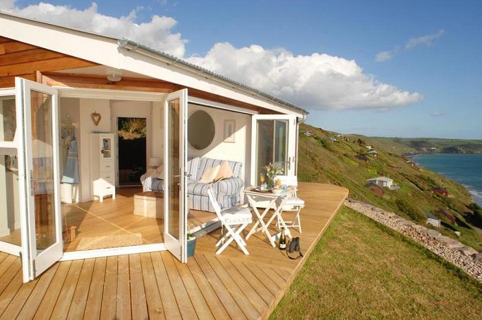 Комфортабельное жилье на побережье.