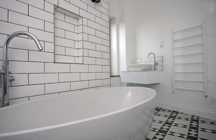Ванная комната в доме, переделанном из водонапорной башни.