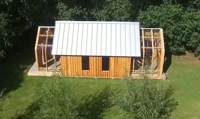 Парень построил для своей матери раздвижной павильон.