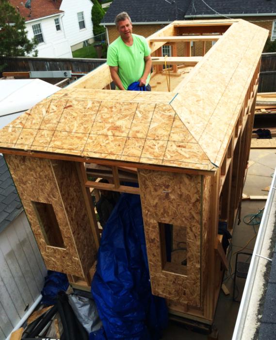 Активное строительство дома.