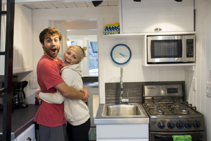 Сара и Патрик решили построить дом за три месяца.