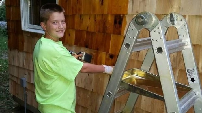 13-летний мальчик самостоятельно построил полноценный дом.