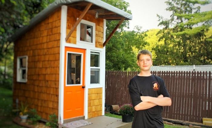 Восьмиклассник Люк Тилл самостоятельно построил дом.