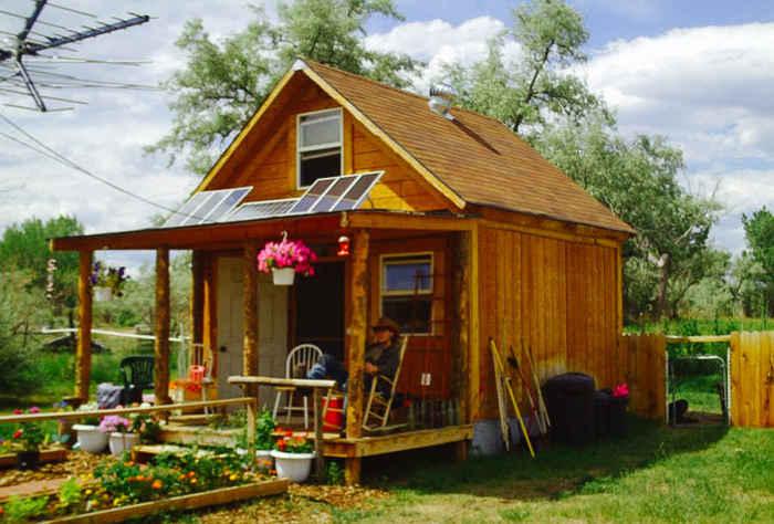 Simple Solar Cabin - самодостаточный домик площадью 37 кв. метров.
