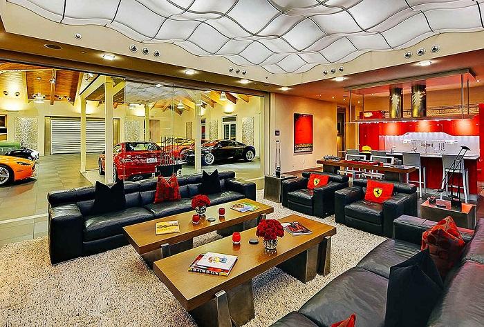 Роскошная вилла в Вашингтоне площадью 2 га и гаражом на 16 авто.