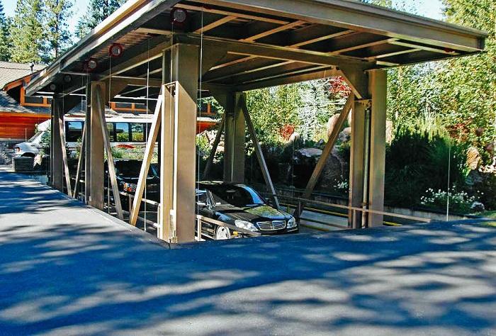 Вилла Sierra Star Estate с подземным гаражом.