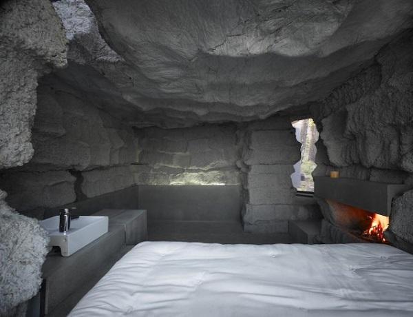 Интерьер пещерного дома.