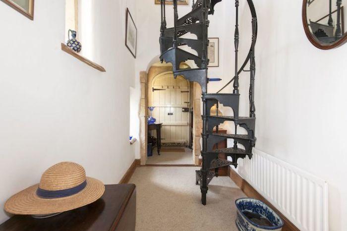Кованая винтовая лестница. | Фото: mymodernmet.com.