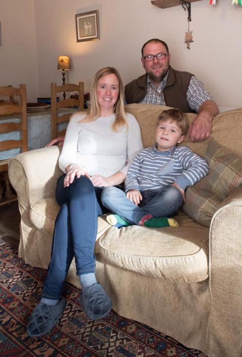 Пол Торп и его семья - новые хозяева фермы.
