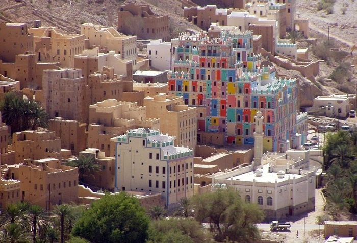 Al-Khurayba - город, построенный из кирпича-сырца.