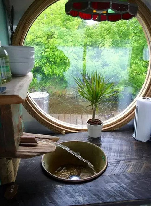 The River Den. Вид из окна на кухне.