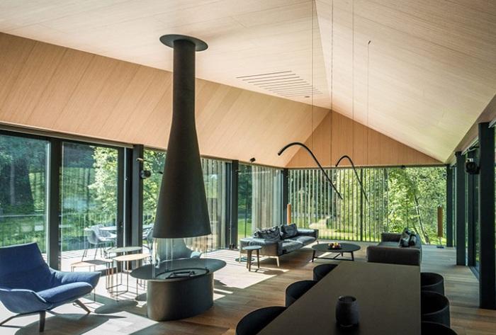 Вилла от архитекторов студии Arches. Гостиная со столовой.