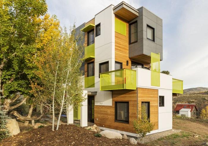 Butcherknife Residence - дом с ярким фасадом.