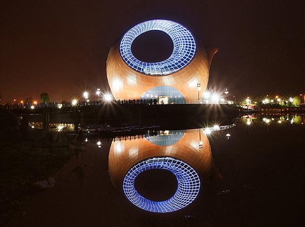Культурно-выставочный центр Wuxi Wanda Exhibition Center в Китае.