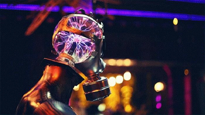Плазменный шар в голове робота.
