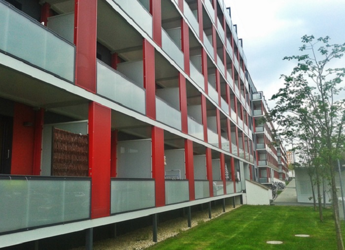 Пристроенные балконы.