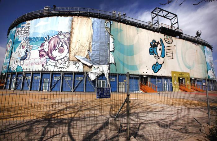 Арена для пляжного волейбола, закрытая за ненадобностью.