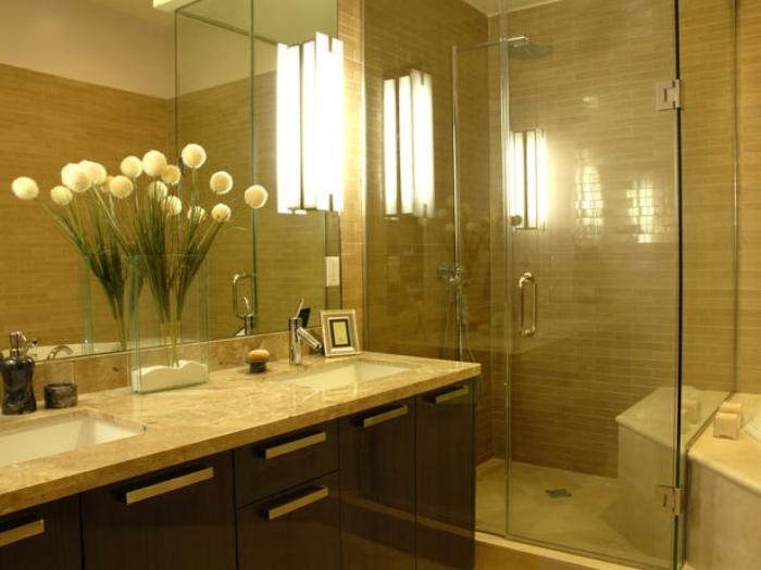 Использование цветов для украшения ванной комнаты.